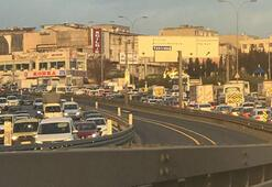 Son dakika: İstanbulda şok kaza Trafik durdu...