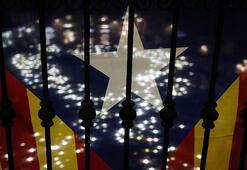 Tutuklu Katalan siyasetçiler isyan etti
