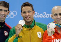 Michael Phelps 100 metre kelebek yarışında geçildi