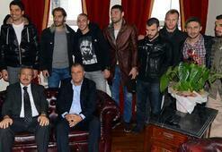 Terim ve futbolculardan G.Saray Üniversitesi'ne ziyaret