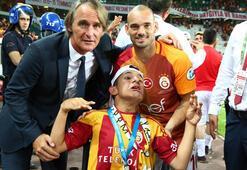 Wesley Sneijderden insanlık dersi
