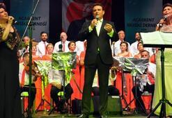 Bodrum'da şarkı ve türkü dolu gece