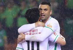 Burak Yılmaz, Çindeki ikinci golünü attı