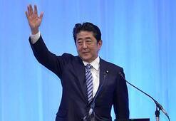 Japonyada genel seçimin galibi Başbakan Abe oldu