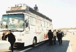 İki gazeteci konvoy  kurbanı
