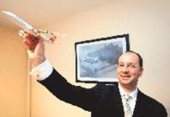 Uçaklarda çay kahve dağıtıyordu lojistik şirketi patronu oldu...