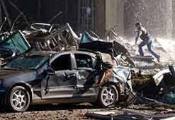 İstanbulda terör... İki bombalı kamyonet dehşet ve ölüm saçtı