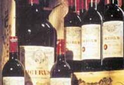 Rokfor peyniri, şampanya ve Bordo şarabı kavgası