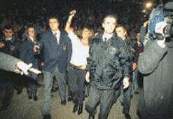 Resmi polislere 'özel' güvenlik
