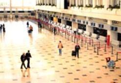Uçuşlar özel izinle turistler rakip ülkelere