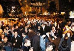 Deprem  ve yılbaşı: Sokak  insanlaştırır