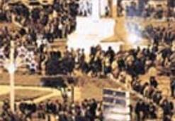 Türkiye 2003'e umutlarla girdi