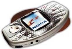 Nokia oyuna daldı