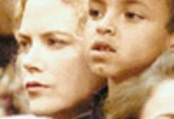Nicole biricik oğluyla