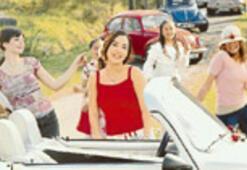 Reklam kızları İpek'in klibinde