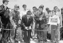 HADEPli Başkan şehit parkı açtı