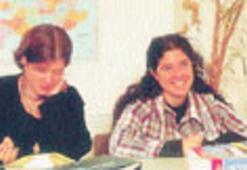 Kalite belgeli İngilizce öğretilir