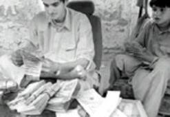 Afgan parası değer kazanırken lira eriyor