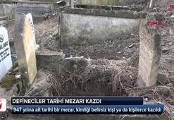 Defineciler tarihi mezarları kazdı