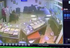Mısır'da 4 maskeli zanlı kuyumcu dükkanını soydu