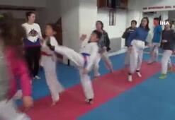 Siirtli taekwondocuların tek hedefi ay-yıldızlı bayrağı göndere çekmek