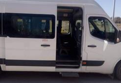Servis minibüsünde dehşet Liseli kız neye uğradığını şaşırdı