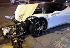 Lüks otomobil taksiye çarptı Sürücüsü kayıp...