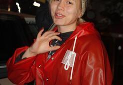 Aleyna Tilki yağmura yakalandı
