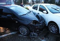 Hatayda zincirleme trafik kazası: 10 araç birbirine girdi