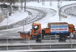 İstanbulda dün başlayan kar yağışı bugün de etkisini sürdürüyor