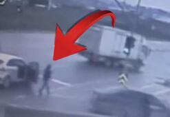 Bankadan 15 bin lira çeken iki kadına trafikte büyük şok