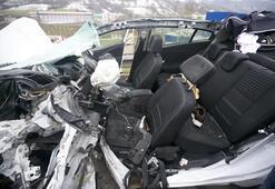 Son dakika: Otoyolda korkunç kaza TIRa çarpan araç tanınmaz halde
