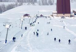 Ovacık Kayak Merkezinde hafta sonu yoğunluğu