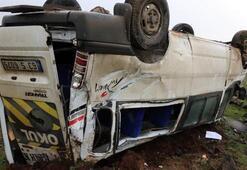 Öğretmenleri taşıyan minibüs devrildi 12 yaralı...