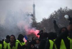 Kabus gibi gece Pariste sanat eserlerini parçaladılar