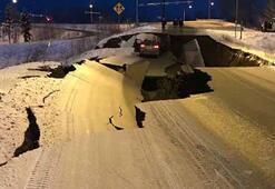 Son dakika... ABDde çok şiddetli deprem Yollar ikiye ayrıldı...