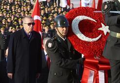 Devletin zirvesi Anıtkabirde... İşte Cumhurbaşkanı Erdoğanın mesajı