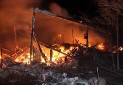 Kastamonuda büyük yangın 3 ev kullanılamaz hale geldi