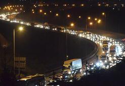 Trafikte son durum Yoğunluk devam ediyor