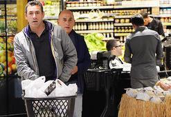 Ferzan Özpetek, İtalyan eşiyle mutfak alışverişinde