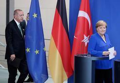 Son dakika... Erdoğan Merkelin yanında söyledi: Can Dündar bir ajandır