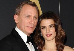 Daniel Craig ilk kez bebeğiyle
