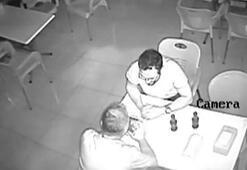 Polis gören doktor duvarın dibine attı