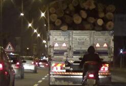 Trafikte korku dolu anlar Kameralara böyle yansıdı