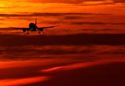 Havalimanında bebeğini unutan kadın yolcu uçağını geri döndürdü
