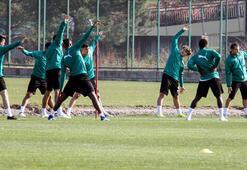 Bursaspor 3 eksikle çalıştı