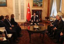 Dışişleri Bakanı Çavuşoğlu, Romanyada Türk iş dünyası temsilcileri ile görüştü