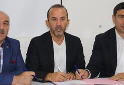 Mehmet Özdilek resmen Erzurumsporda