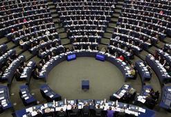 Son dakika... Avrupa Parlamentosu da Guaidoyu tanıdı
