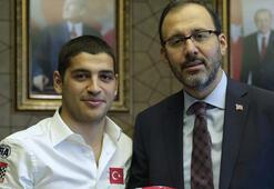 Bakan Kasapoğlu Ayhancan Güveni kabul etti